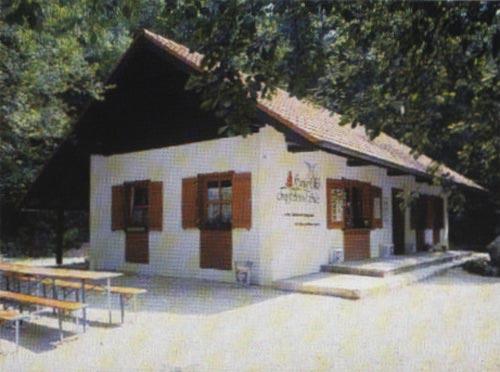 Gaststätte an der Tropfsteinhöhle